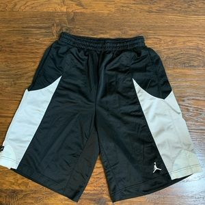Jordan basketball shorts size large